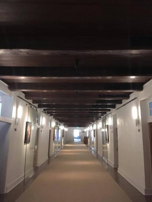 Couloir menant aux chambres authentiques