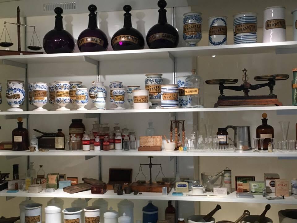 Les objets de l'apothicairesse